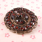 "Silver Brooch with Garnets ""Teresa"""