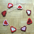 garland made of crochet hearts, ebook, pdf
