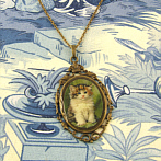 gorgeous kitten pendant